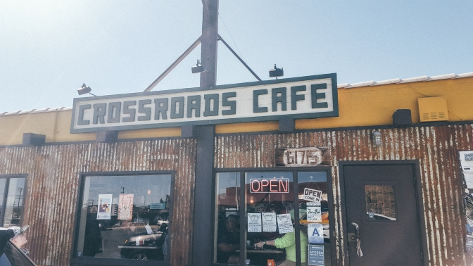 RESTAURANT REVIEW: Crossroads Cafe [Joshua Tree]